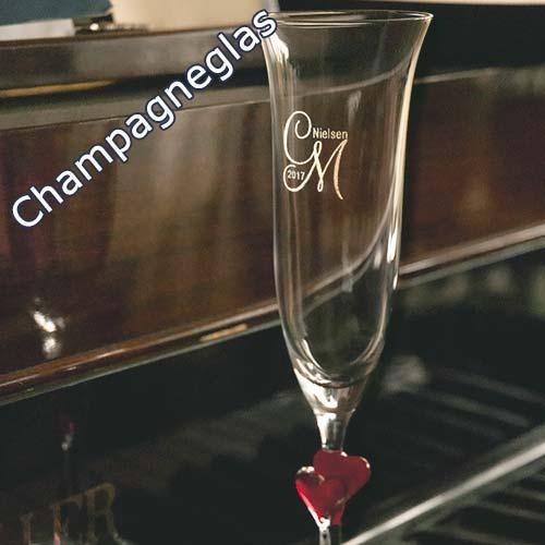 Champagneglas med gravering